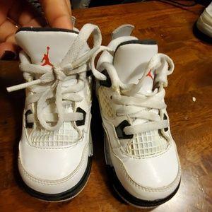 Boys toddler baby sneakers 6C white grey jordans